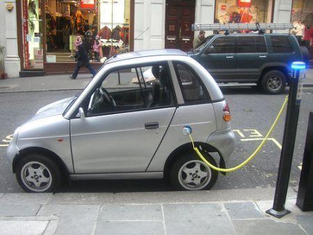 auto elettriche ricarica accordo peugeot sorgenia