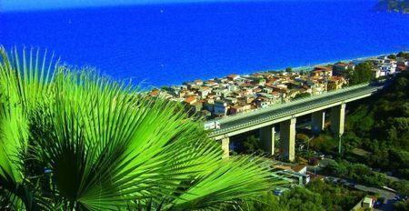 fotovoltaico energia pannelli solari autostrada palermo messina