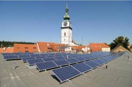 Il governo ceco riduce gli ecoincentivi sul solare