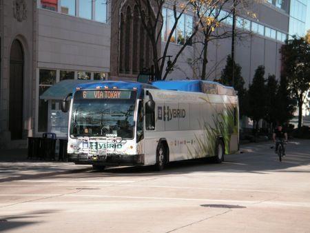mobilita sostenibile autobus ibridi etruscan