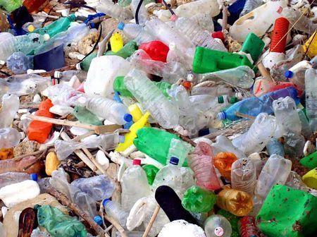 riciclaggio plastica macchina petrolio