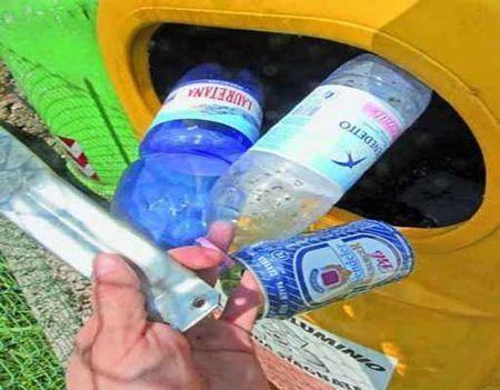 riciclaggio plastica raccolta differenziata