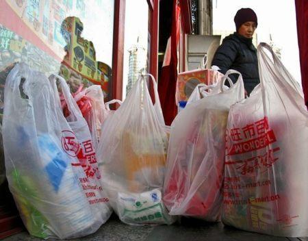 sostenibilita ambientale numero verde buste plastica