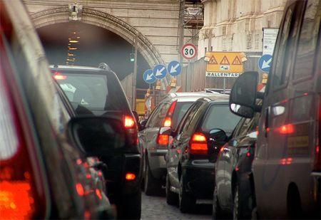 blocco traffico firenze domenica 3 aprile smog