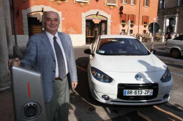 auto elettriche modena colonnina ricarica pubblica