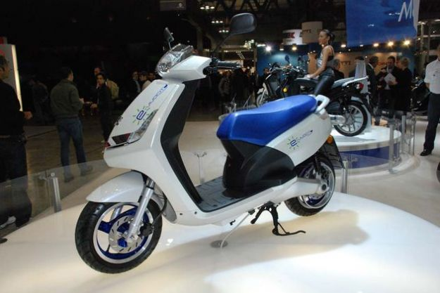 scooter elettrico francia peugeot e vivacity