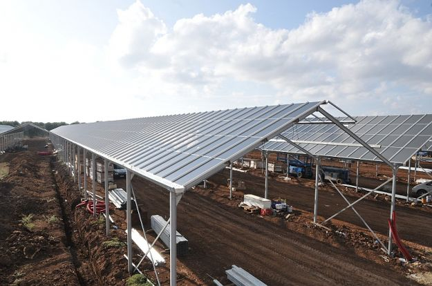 energia_fotovoltaica_tetto_serra_gela