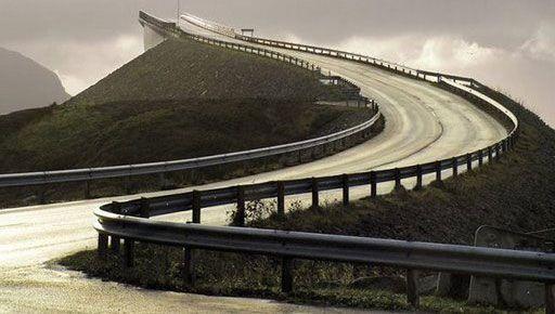 nord_europa_stranezze_mondo_ponte_norvegia