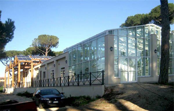 Roma_il fabbricato all_interno del parco delle_Energie_in_cu
