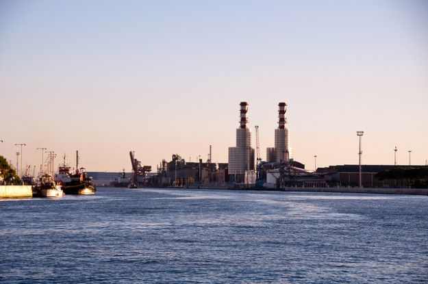 centrale_elettrica_inquinamento_atmosferico