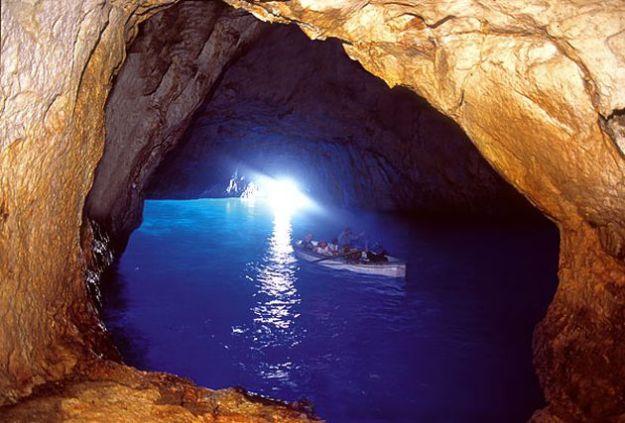 grotta azzurra capri pubblicita