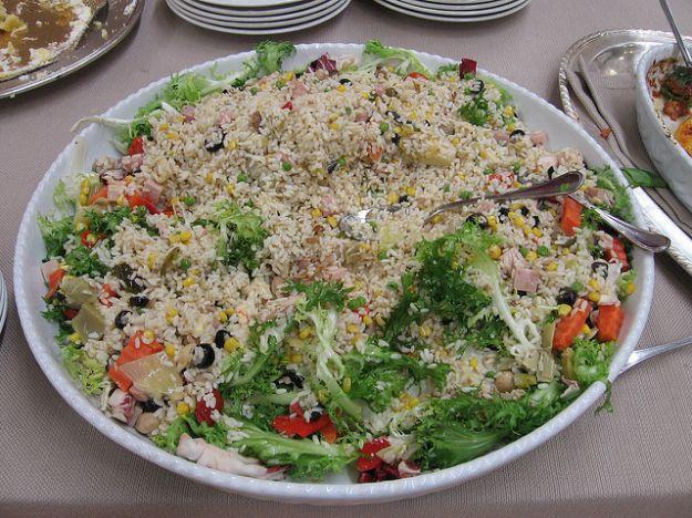 Insalata di riso di verdure