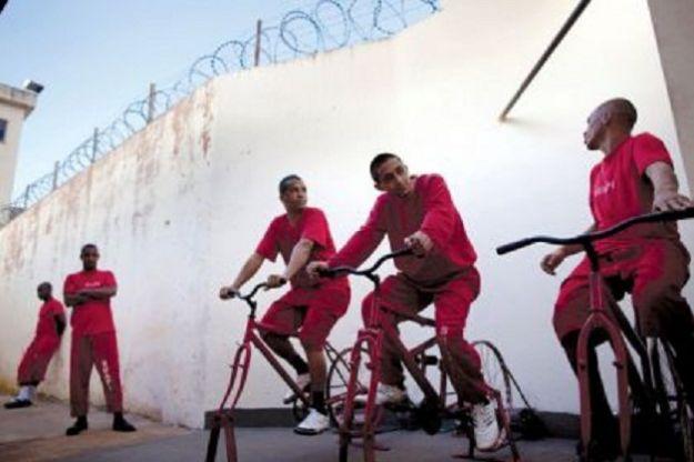 biciclette per produrre energia in carcere