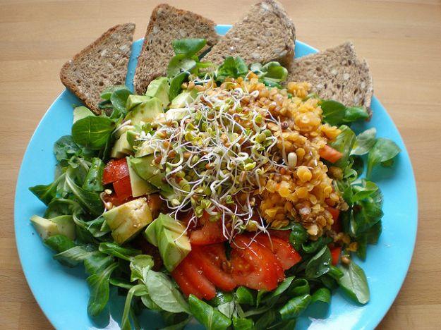 insalata di avocado  foto di diekatrin
