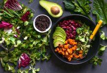 Alimenti con vitamina d, nelle verdure e nella frutta