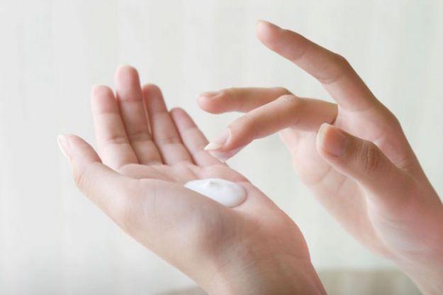 come fare in casa la crema per le mani