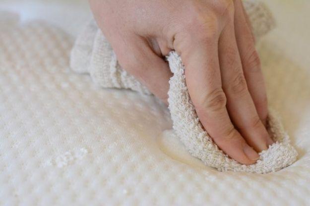 come pulire i materassi rimedi naturali