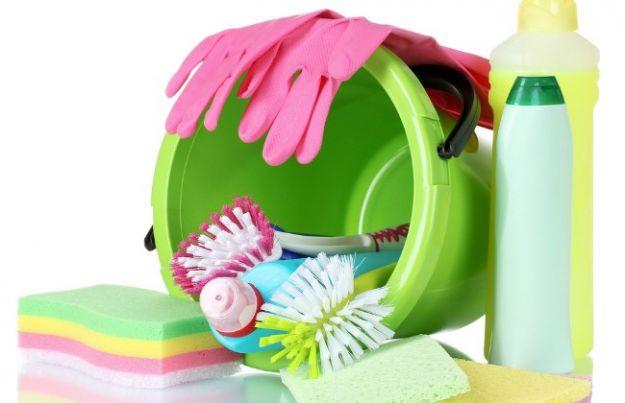 pulizie di primavera con prodotti naturali