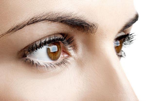 occhi stanchi rimedi naturali arrossamenti