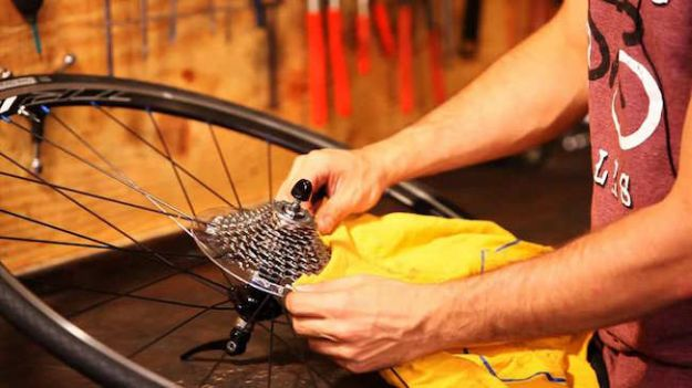 come pulire la bici con prodotti naturali