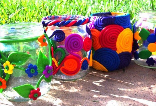 Vasetti degli omogeneizzati con il riciclo