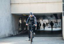 Boom di vendite per bici e monopattini elettrici