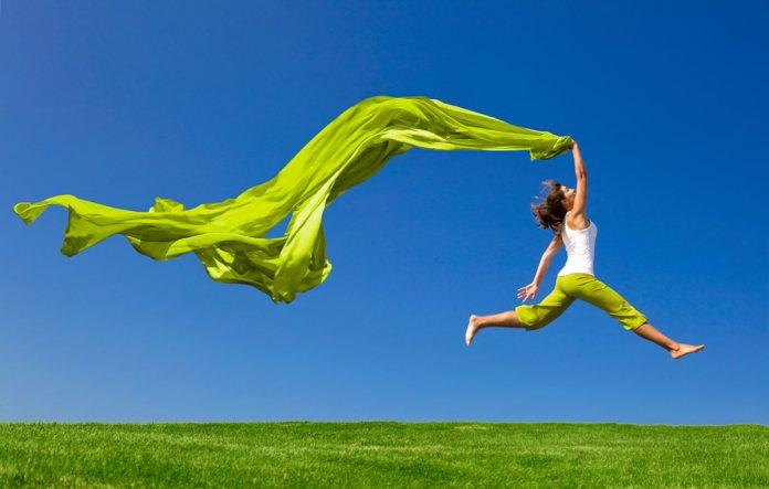 Econyl, nuovo tessuto sostenibile ottenuto con la plastica riciclata