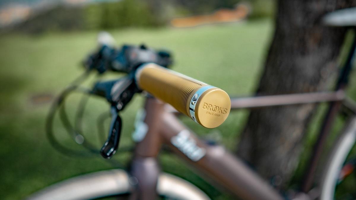 nuova bikel urban dettaglio manopole