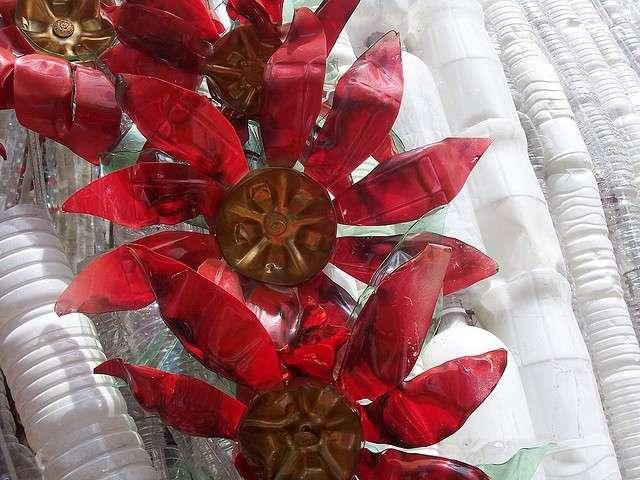 Stelle di Natale con la plastica riciclata