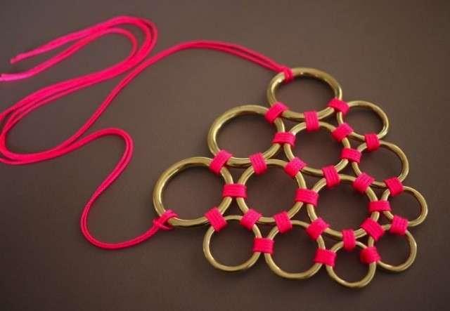 Collana con anelli dorati