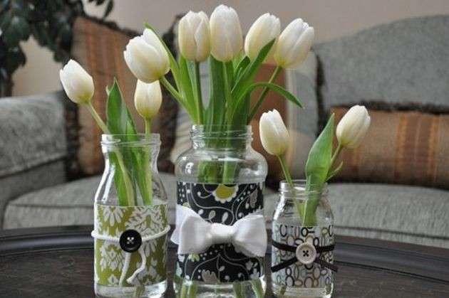 Barattoli con tulipani