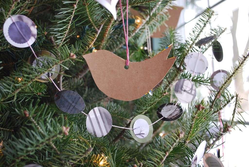 Ornamento natalizio di cartone